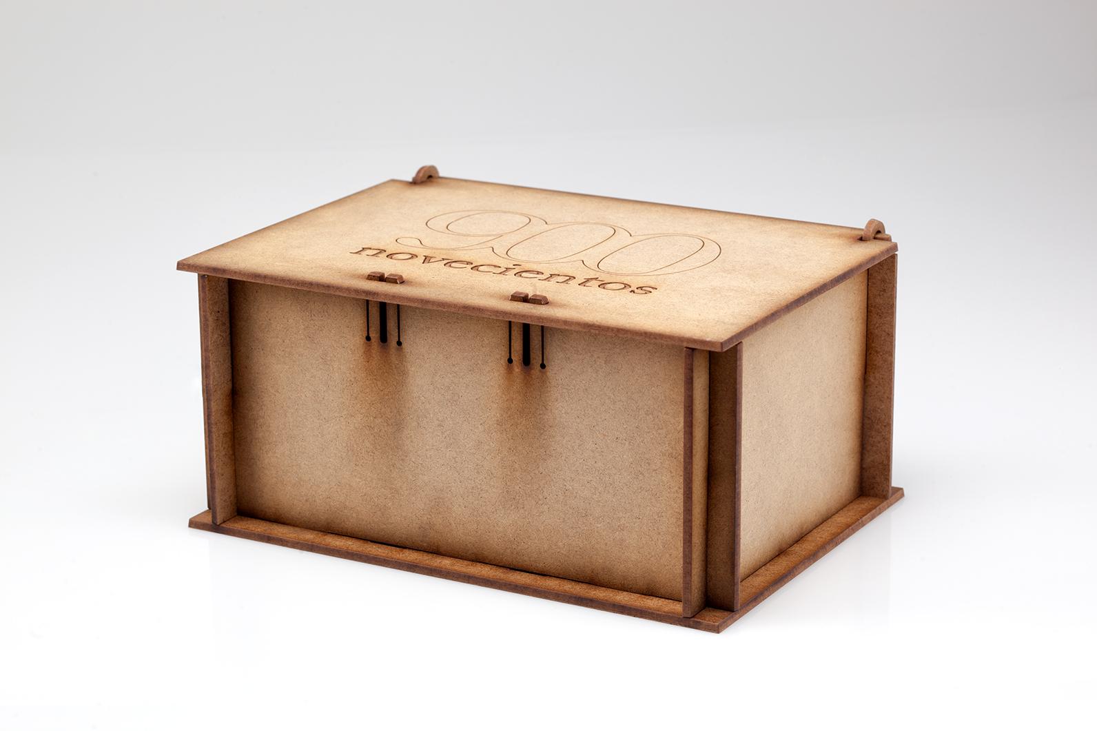 caja madera aceite 900