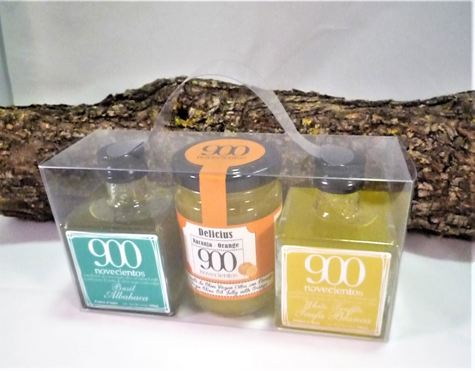 Pack regalo con Mermelada de AOVE con naranja y aromatizados de AOVE de trufa blanca y albahaca.
